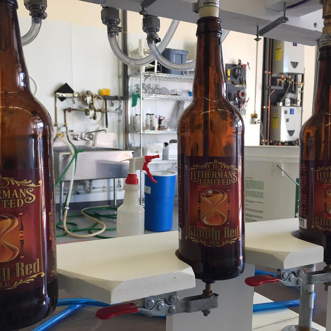 Bottling up a fresh batch of Simply Red Ale. #lithermanslimited #concordnh #nhbeer #howmuchcanyoucarry #MHPlikes what would Doc do?