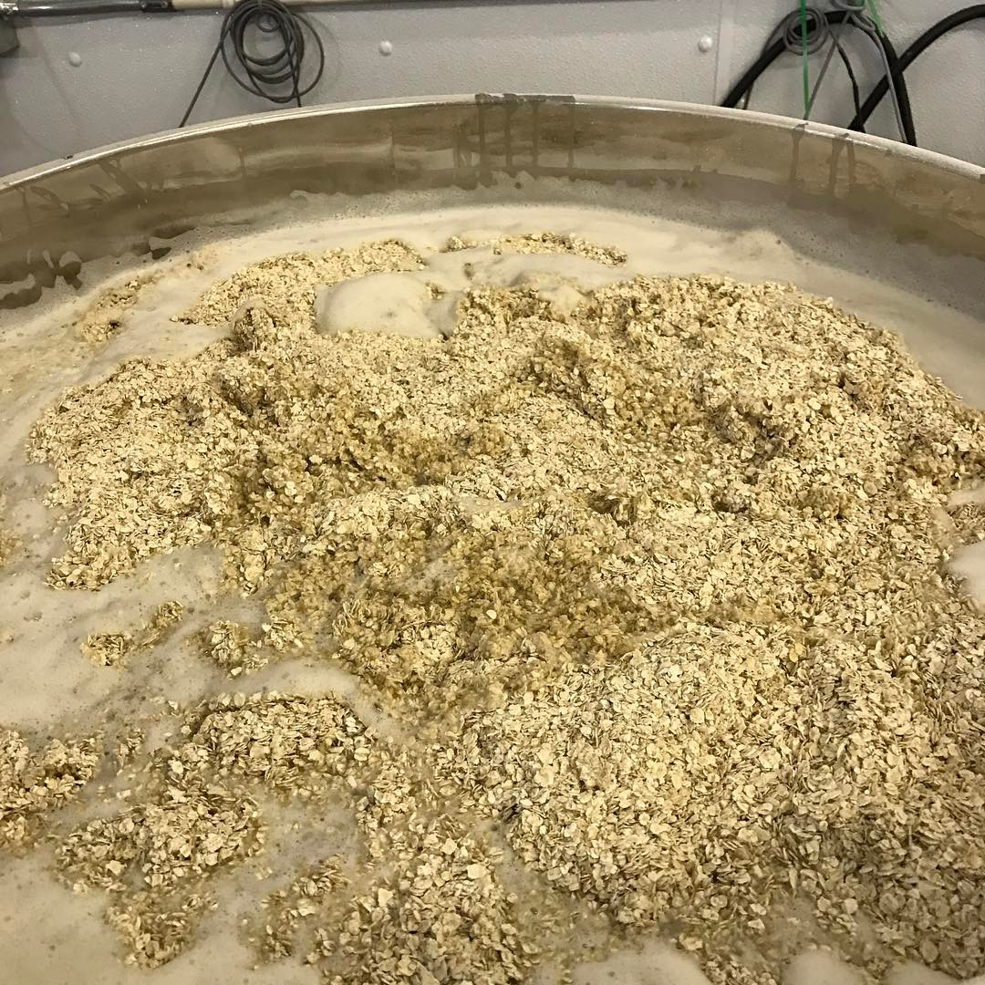 Brewing up a fresh batch of Bow Wow Yippie Yo IPA today. #nhbeer #howmuchcanyoucarry #lithermans #concordnhbrewed #MHPlikes Chinooky